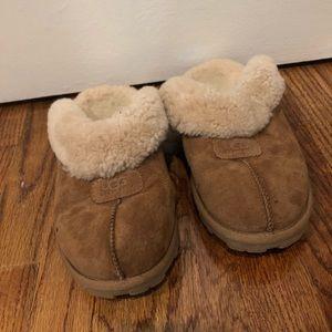 Ugg chestnut color slippers